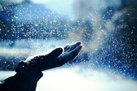 beautiful-blue-cold-snow-touch